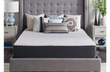 sealy 10 inch memory foam mattress bed in a box is great for guest bedrooms